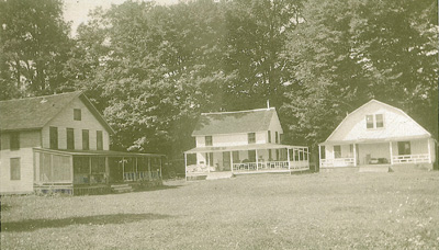 http://www.sprongsbluff.com/Gaylord Curtiss Cottages